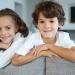 ¿Por qué los colegios separan a los gemelos y mellizos?