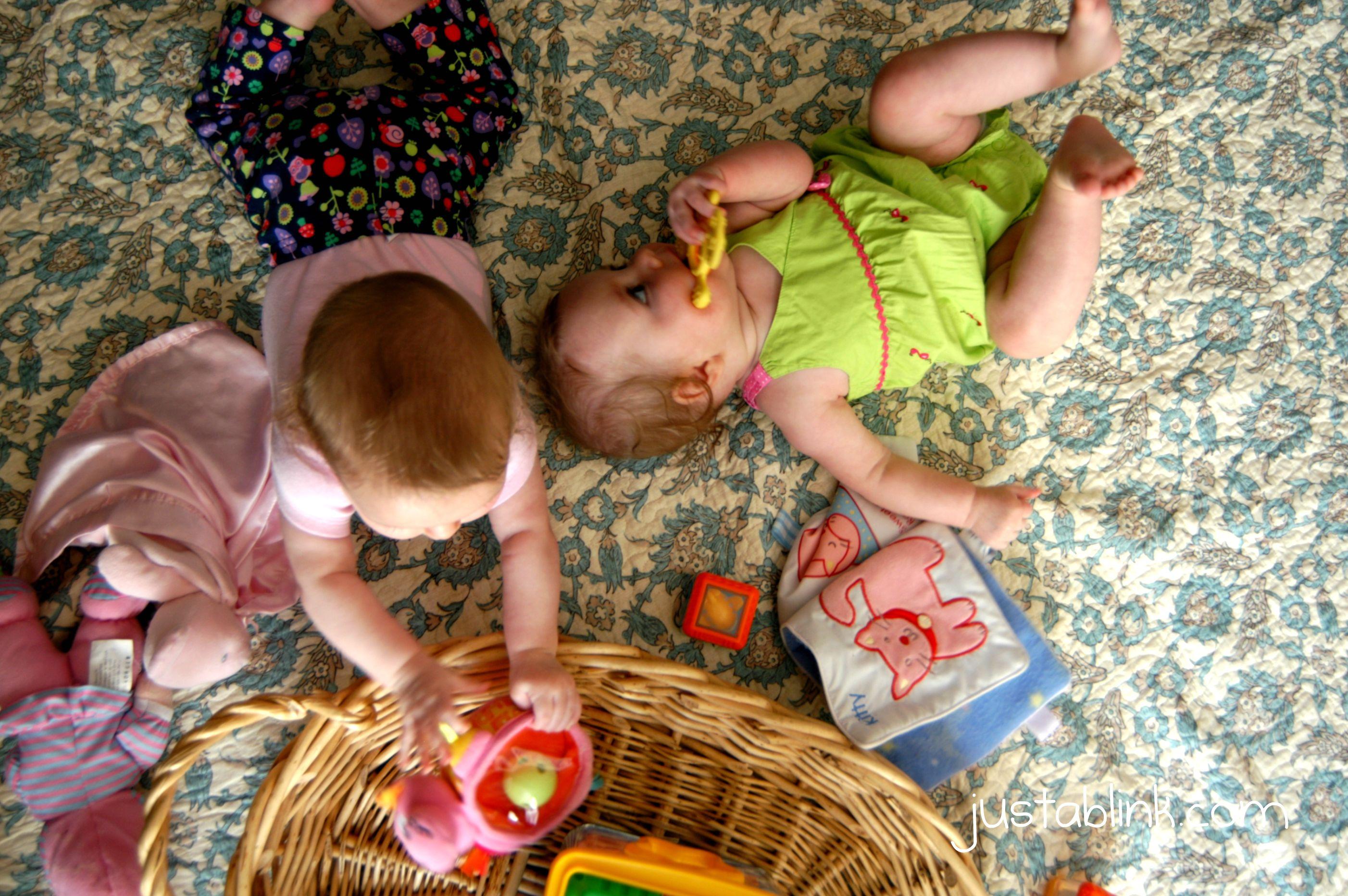 Mis gemelas y mi cola - 3 part 10