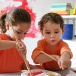 Eligiendo guardería o cuidadora para los gemelos, mellizos o trillizos