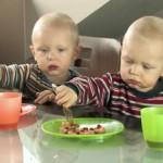 Cuando los gemelos, mellizos y trillizos no quieren comer