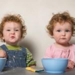 ¿Cómo poner límites a mis gemelos de 21 meses?