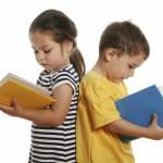 ¿Mi hijo mellizo debería repetir curso? ¿Cómo gestionarlo?