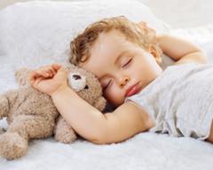 Los problemas para dormir de tus gemelos se deben a una sobreexcitación