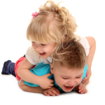 Mellizos que se pelean: ¡Mi hijo le tira del pelo a su hermana!