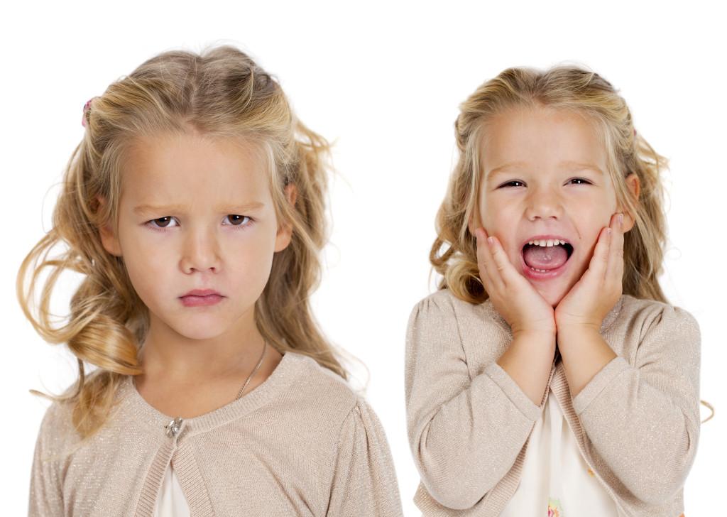 Tenéis que dar ejemplo a vuestros gemelos o mellizos, ya que los niños aprenden por imitación