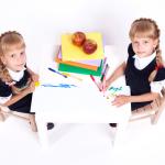 Las consecuencias de separar a los gemelos o mellizos en el colegio dependen de cada pareja