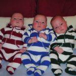 Los trillizos Lyons, dos de los cinco hijos de la autora del artículos